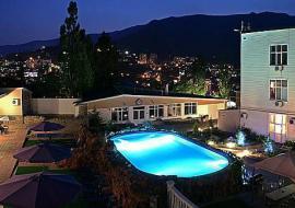 Отель с бассейном и саунами - Пансионат в Ялте с бассейном