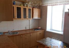 Продам  2-комнатную  квартиру  в г.Алуште пер.Спортивный.