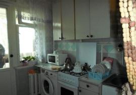 Продается   2-комнатная  квартира  в г.Алуште, ул.Иванова